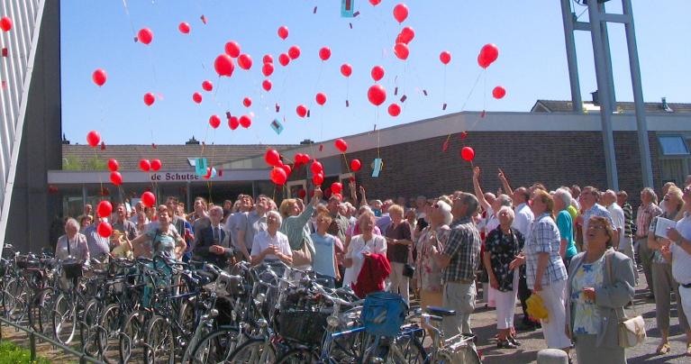 Buiten bij De Schutse kerk in Uithoorn